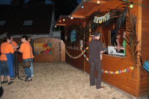 Die Aloha Bar bei Nacht