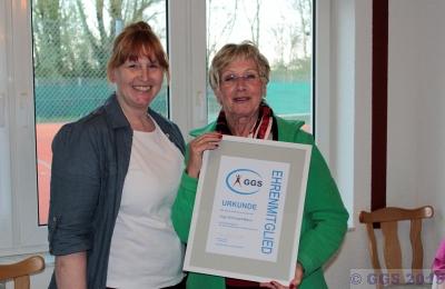 Inge Maus-Dörrzapf wurde zum Ehrenmitglied des Vereins ernannt